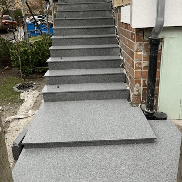 granitowe schody